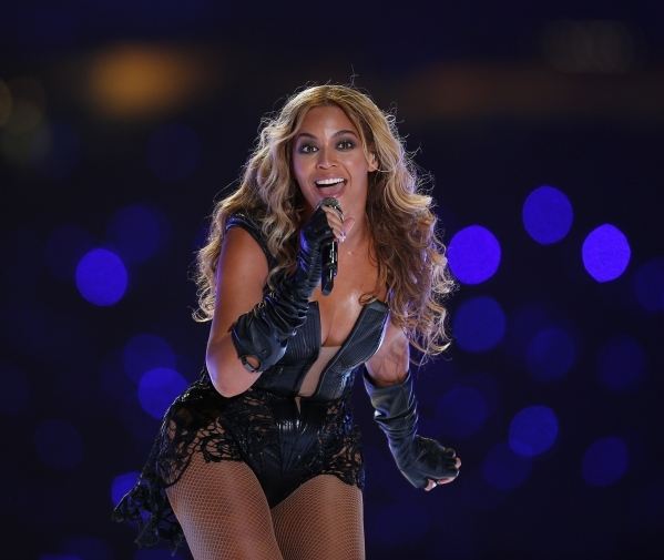 Beyonce performs during the half-time show of the NFL Super Bowl XLVII football game in New Orleans, Louisiana, February 3, 2013. REUTERS/Jeff Haynes (UNITED STATES  - Tags: SPORT FOOTBALL ENTERTA ...