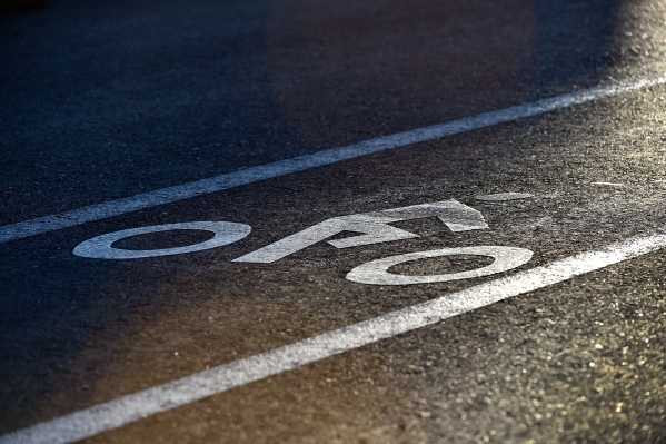 A painted pictogram of a bicyclist designates a bike lane along West Horizon Ridge Parkway in Henderson on Friday, Nov. 20, 2015. David Becker/Las Vegas Review-Journal