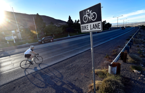 A bicyclist rides along West Horizon Ridge Parkway in Henderson on Friday, Nov. 20, 2015. David Becker/Las Vegas Review-Journal