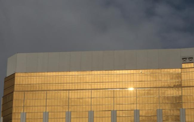A sunlight is reflected from the glass windows of the Mandalay Bay hotel-casino as dark clowd formed on the sky on Monday, Nov. 23, 2015.  Bizuayehu Tesfaye/Las Vegas Review-Journal Follow @bizute ...