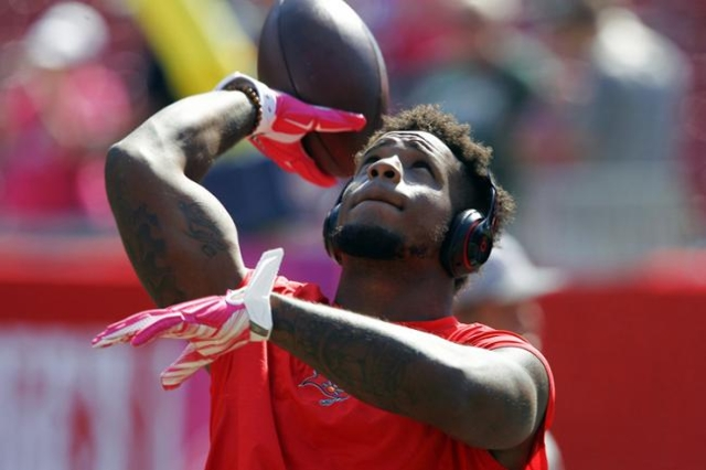 Oct 11, 2015; Tampa, FL, USA; Tampa Bay Buccaneers middle linebacker Kwon Alexander (58) warms up before an NFL football game against the Jacksonville Jaguars at Raymond James Stadium. (Reinhold M ...