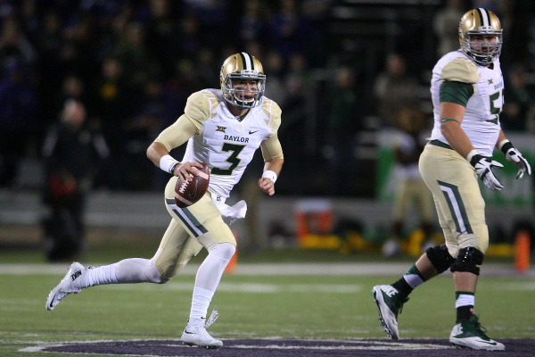 Nov 5, 2015; Manhattan, KS, USA; Baylor Bears quarterback Jarrett Stidham (3) runs with the ball against the Kansas State Wildcats during the first half at Bill Snyder Family Football Stadium. Man ...