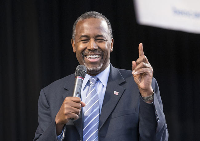 Republican presidential candidate Ben Carson addresses the crowd during a rally at the Henderson Pavilion in Henderson on Sunday, Nov. 15,  2015.  (Donavon Lockett/Las Vegas Review-Journal)