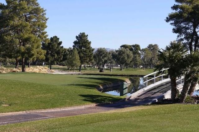 The Las Vegas Country Club is shown on 3000 Joe W. Brown Drive, Friday, Nov. 20, 2015. Bizuayehu Tesfaye/Las Vegas Review-Journal Follow @bizutesfaye. (Bizuayehu Tesfaye/Las Vegas Review-Journal)  ...