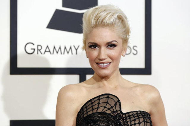 Musician Gwen Stefani arrives at the 57th annual Grammy Awards in Los Angeles, California February 8, 2015.  REUTERS/Mario Anzuoni  (UNITED STATES - TAGS: ENTERTAINMENT) (GRAMMYS-ARRIVALS) - RTR4OQLY