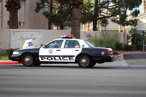 An apartment complex at 6300 W. Lake Mead Blvd. where a man was reportedly shot and found dead Monday night by Las Vegas police is seen on Tuesday, Oct. 27, 2015. Erik Verduzco/Las Vegas Review-Jo ...