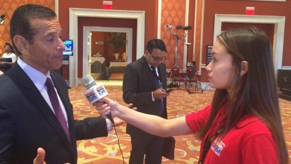 Chloe Nguyen, 14, interviews Antonio Villaraigosa, national co-chairman of Hillary ClintonþÄôs presidential campaign for the Scholastic News Kids Press Corps. (Special to View)