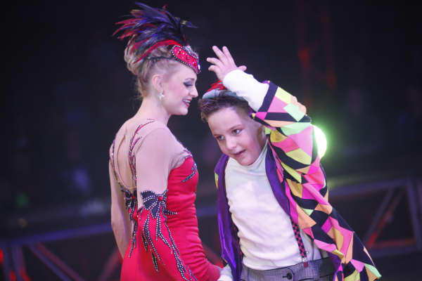 Cathy and Tommy Poema perform during the opening night for Circus Vargas at the Meadows Mall parking lot in Las Vegas Thursday, Dec. 11, 2015. Rachel Aston/Las Vegas Review-Journal Follow@rookie__rae