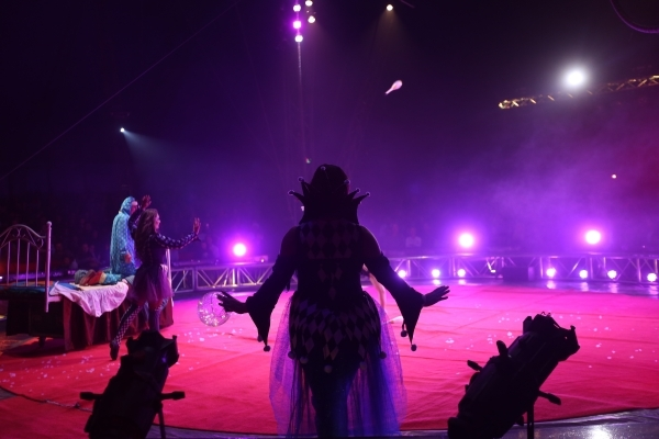 The pre-show prelude for the opening night of Circus Vargas at the Meadows Mall parking lot in Las Vegas Thursday, Dec. 11, 2015. Rachel Aston/Las Vegas Review-Journal Follow@rookie__rae