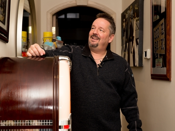 Terry Fator has a jukebox stocked with about 80 different holiday-themed tunes.   TONYA HARVEY/REAL ESTATE MILLIONS