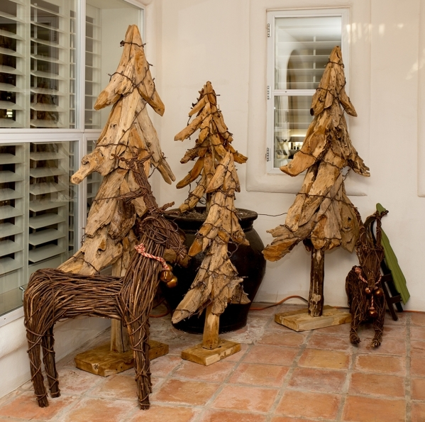 The home is dressed for Christmas.   TONYA HARVEY/REAL ESTATE MILLIONS