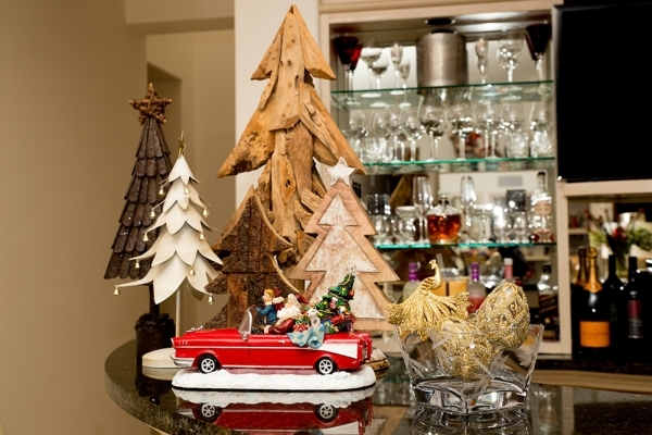 Terry Fator's home is full of holiday decorations.   TONYA HARVEY/REAL ESTATE MILLIONS