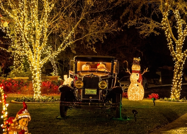 Automobile dealership owners Greg and Barbara Heinrich said they spent about $4,000 on Christmas decorations this year.  TONYA HARVEY/REAL ESTATE MILLIONS