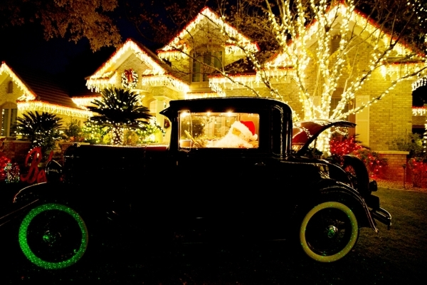 Barbara Heinrich created an antique car-themed holiday display at her Henderson home.   TONYA HARVEY/REAL ESTATE MILLIONS