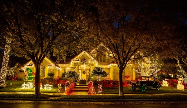 The Heinrich home lights up its Henderson neighborhood.   TONYA HARVEY/REAL ESTATE MILLIONS