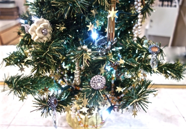 A small tree for the boudoir is decorated with seldom-worn costume jewelry. COURTESY DIANE TAYLOR