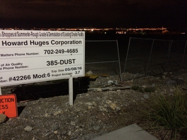 A sign seen Nov. 4 touts the yet-to-come plans for expanding Downtown Summerlin. The Howard Hughes Corp. promises the shopping component is merely the beginning for the community within a communit ...
