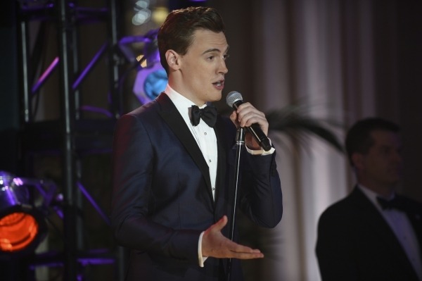 "Erich Bergen, familiar to stage (and movie) audiences as ""Jersey Boys' "" Bob Gaudio, takes the stage in character, as personal assistant Blake Moran, in an episode of TV's &q ..."