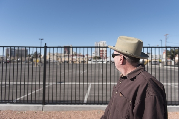 Doug DeMasi, who owns an apartment building half a block from the Llama Lot, walks past the lot which is located at 152 N. 9th St. in Las Vegas on Thursday, Dec. 31, 2015. Nearby residents, church ...
