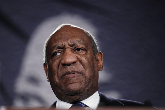 Actor Bill Cosby speaks at the National Action Network's 20th annual Keepers of the Dream Awards gala in New York in an April 6, 2011 file photo. Actor and comedian Bill Cosby on Monday sued ...