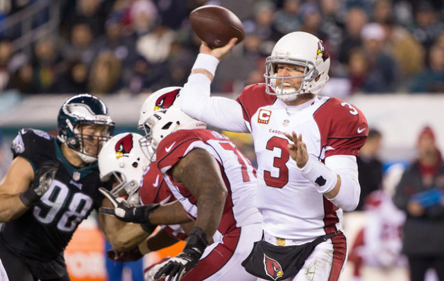 Arizona Cardinals quarterback Carson Palmer passes against the Philadelphia Eagles during the second half at Lincoln Financial Field. The Cardinals won 40-17. Mandatory Credit: Bill Streicher-USA  ...