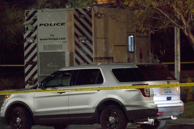 Metro investigates a thwarted robbery that left one suspected robber dead and another on the run Wednesday, Dec. 16, 2015 in the 2800 block of Charleston Boulevard. (Ricardo Torres/Las Vegas Revie ...