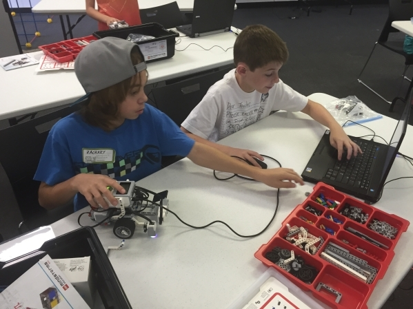 Students from the Las Vegas chapter of Engineering for Kids work on a robotics project as part of a course at  the College of Southern Nevada. (Special to the Las Vegas Review-Journal)