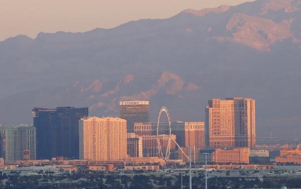 The Las Vegas Strip is seen in early morning New Year's Day on Friday, Jan. 1, 2016. (Bizuayehu Tesfaye/Las Vegas Review-Journal Follow @bizutesfaye)