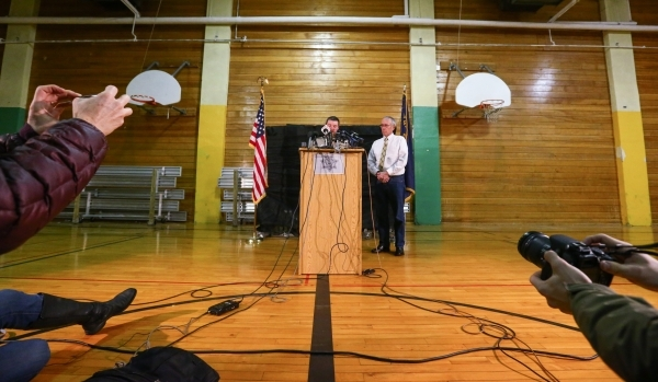 Harney County Sheriff Dave Ward, left, speaks during a news conference as Judge Steven Grast looks on, at Lincoln Junior High School in Burns, Ore. on Monday, Jan. 4, 2016. Law enforcement has set ...
