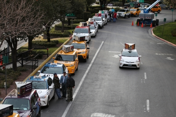 Taxi cabs line up outside of New York-New York casino-hotel Wednesday, Jan. 13, 2016, in Las Vegas. Erik Verduzco/Las Vegas Review-Journal Follow @Erik_Verduzco