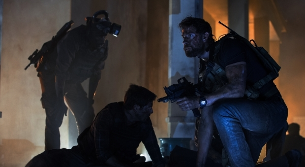 Left to right: Demetrius Grosse plays DS Dave Ubben, David Giuntoli plays DS Scott Wickland and John Krasinski plays Jack Silva in 13 Hours: The Secret Soldiers of Benghazi from Paramount Pictures ...