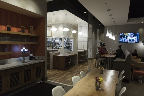 Patrons eat in the dining area of Lyfe Kitchen at 140 S. Green valley Pkwy. in Henderson on Saturday, Jan. 16, 2016. Jason Ogulnik/Las Vegas Review-Journal