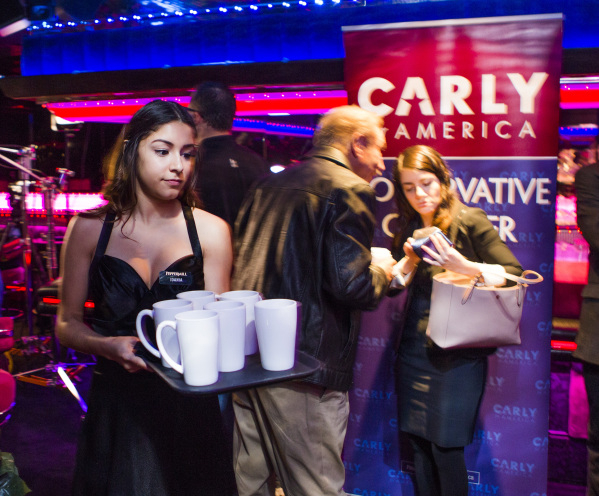 Waitress Idania Ramirez serves coffee during a morning rally for Republican presidential candidate Carly Fiorina  at the Peppermill Fireside Lounge, 2985 S. Las Vegas Boulevard, on Monday, Jan. 20 ...