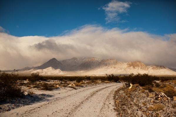 Part of a nine-mile dirt road to the Hard Luck Mine Castle in Esmeralda County is seen Friday, Jan. 15, 2016. (Randi Lynn Beach/Las Vegas Review-Journal)