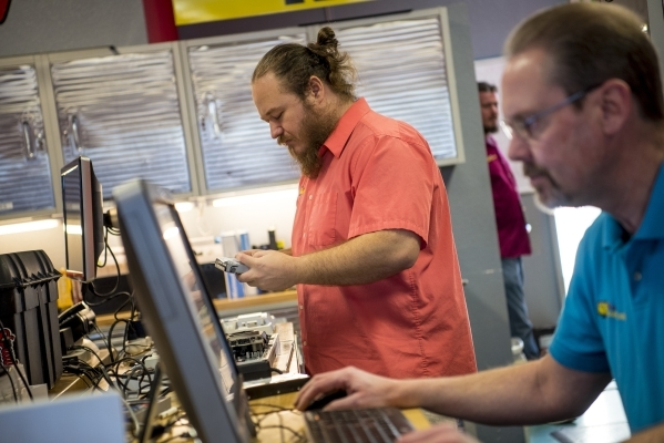 Justin Souza assembles a computer at Simple Computer Repair in Henderson on Wednesday, Jan. 20, 2016. Joshua Dahl/Las Vegas Review-Journal