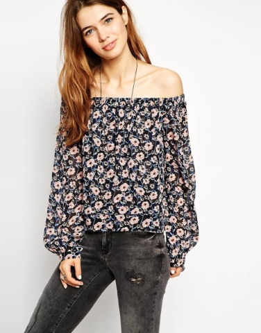 Off-the-shoulder printed blouse. Photo Courtesy. (Find it similar at H&M)