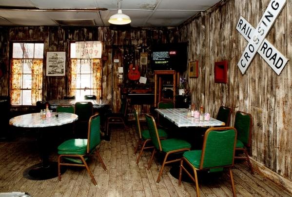 Nipton's Whistlestop Cafe. TONYA HAVEY/REAL ESTATE MILLIONS