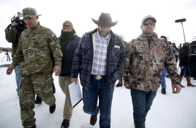 Ammon Bundy departs after addressing the media at the Malheur National Wildlife Refuge near Burns, Oregon, January 4, 2016. REUTERS/Jim Urquhart