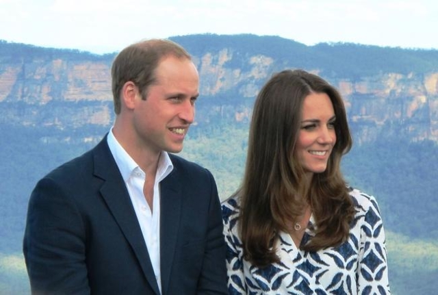 Prince William and Duchess Catherine pose for a photograph in the Blue Mountains near Sydney, Australia, April 16, 2014. (CNN)