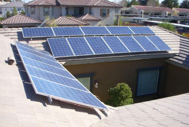Rooftop solar panels (SolarNV)