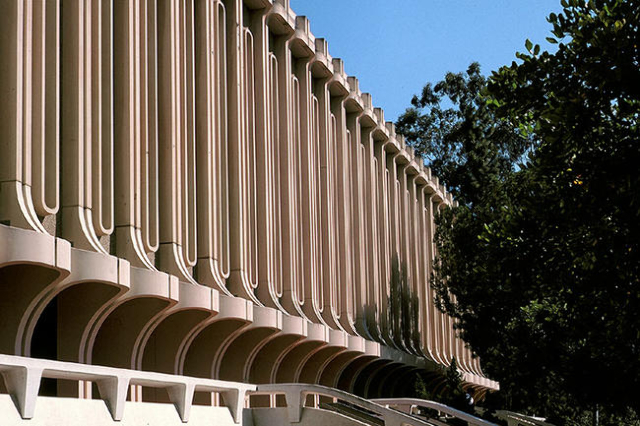 Jack Langson Library at UC Irvine