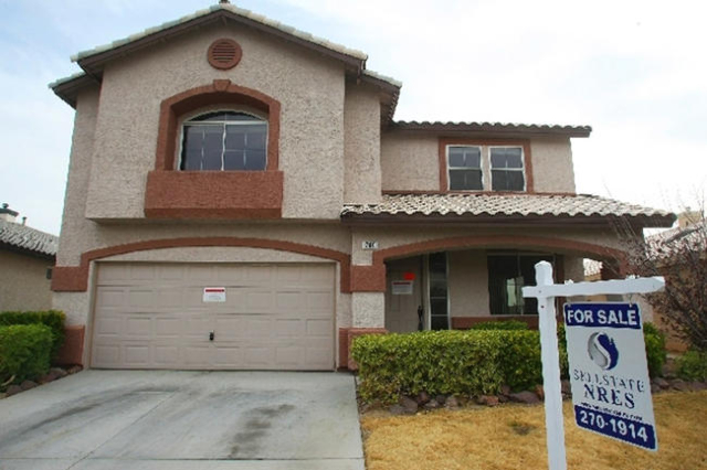 The Las Vegas Valley ranked No. 1 among big U.S. metro areas for its share of homes with mortgages that were significantly under water at the end of 2015. (Review-Journal File)