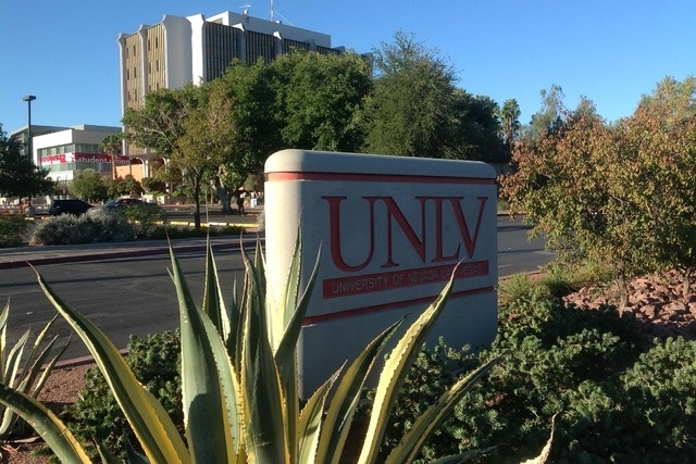 The Maryland Parkway entrance to UNLV is shown in this August, 2013, file photo. (Las Vegas Review-Journal)