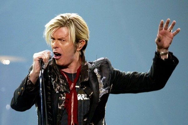 "David Bowie performs his North American debut of ""A Reality Tour"" in Montreal, December 13, 2003. Bowie kicked off his first North American concert series in eight years after battling t ..."