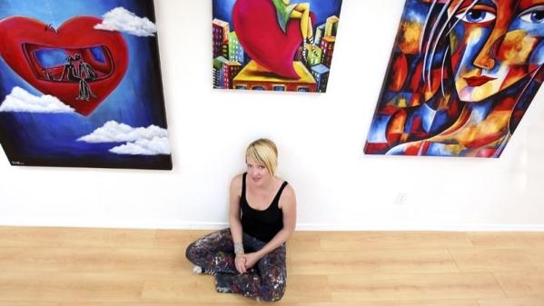 Artist Jennifer Main poses in her former Las Vegas studio in June 22, 2010. Now based in Los Angeles, she is set to return to Las Vegas for HopeLink of Southern Nevada's Feb. 27 benefit Art  ...