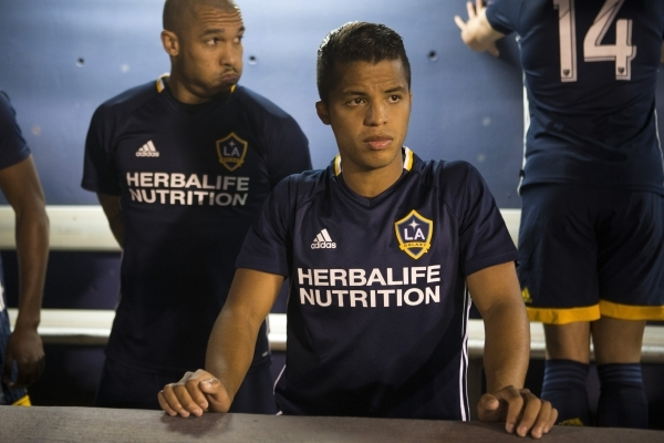 Los Angeles Galaxy's Giovani dos Santos (10) gets ready to take the field against the San Jose Earthquakes in their Major League Soccer pre-season game at Cashman Field on Saturday, Feb. 13, ...
