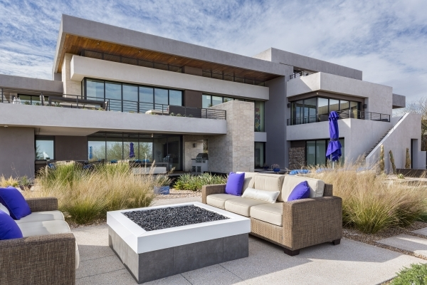 6 6 Million Summerlin Home Has Disappearing Glass Doors