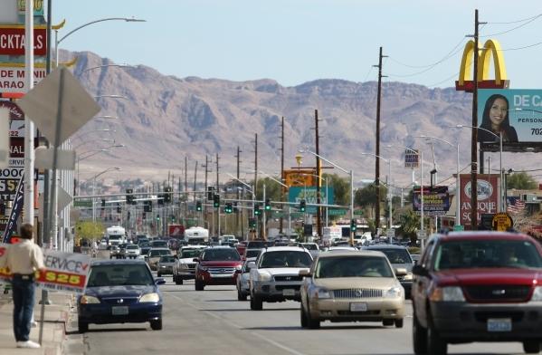 Traffic is shown on Charleston Boulevard near Bruce Street Tuesday, Feb. 23, 2016, in Las Vegas. Ronda Churchill/Las Vegas Review-Journal