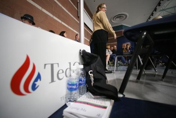 Jacqui Lenhardt, center, caucuses for Ted Cruz during the 2016 Republican caucus at Centennial High School in Las Vegas on Tuesday, Feb. 23, 2016. Brett Le Blanc/Las Vegas Review-Journal Follow @b ...