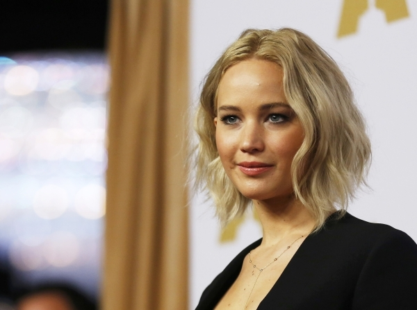 Actress Jennifer Lawrence arrives at the 88th Academy Awards nominees luncheon in Beverly Hills, California February 8, 2016.  REUTERS/Mario Anzuoni